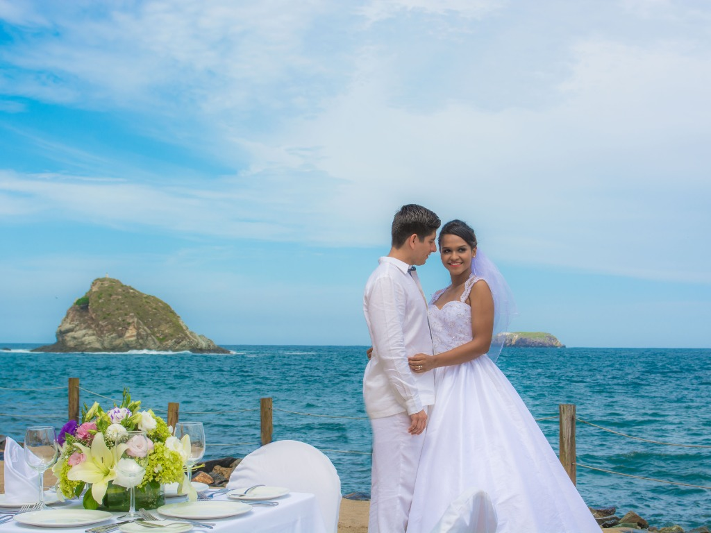 The most special day of your life in the place where you always dreamed them. Ask about our wedding packages and seal your love in paradise.