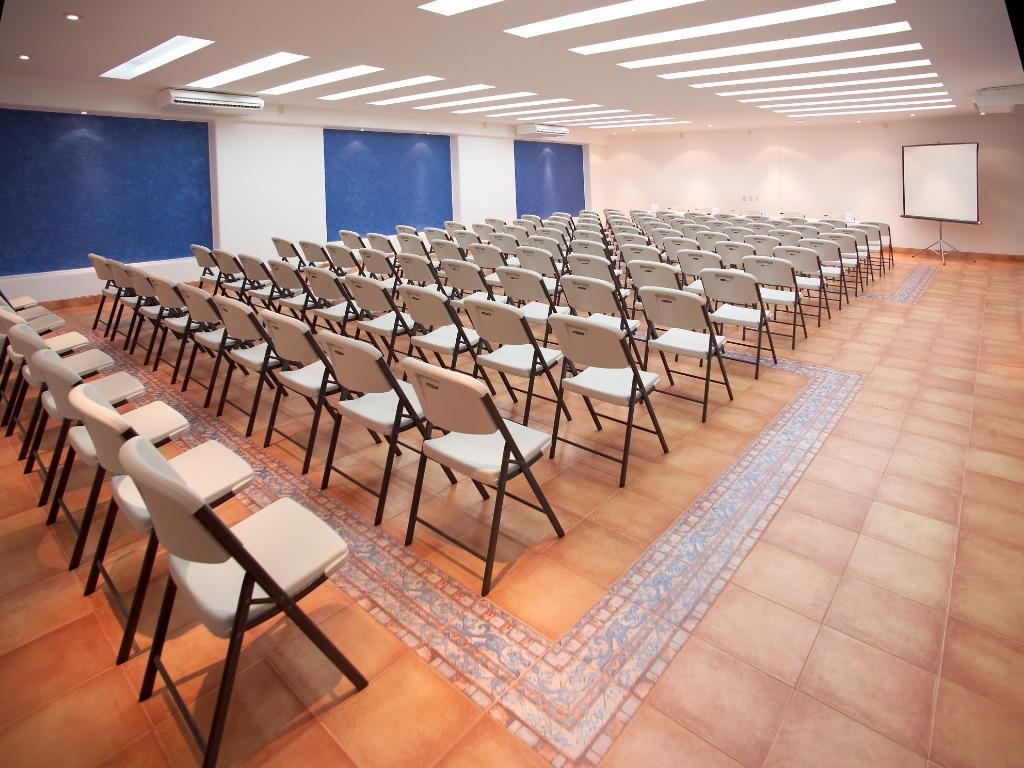 Salon de convenciones hasta para 120 personas